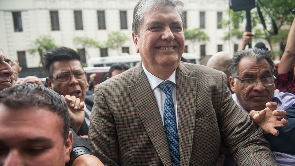Peru ex-president Alan Garcia shoots himself as police try to arrest him