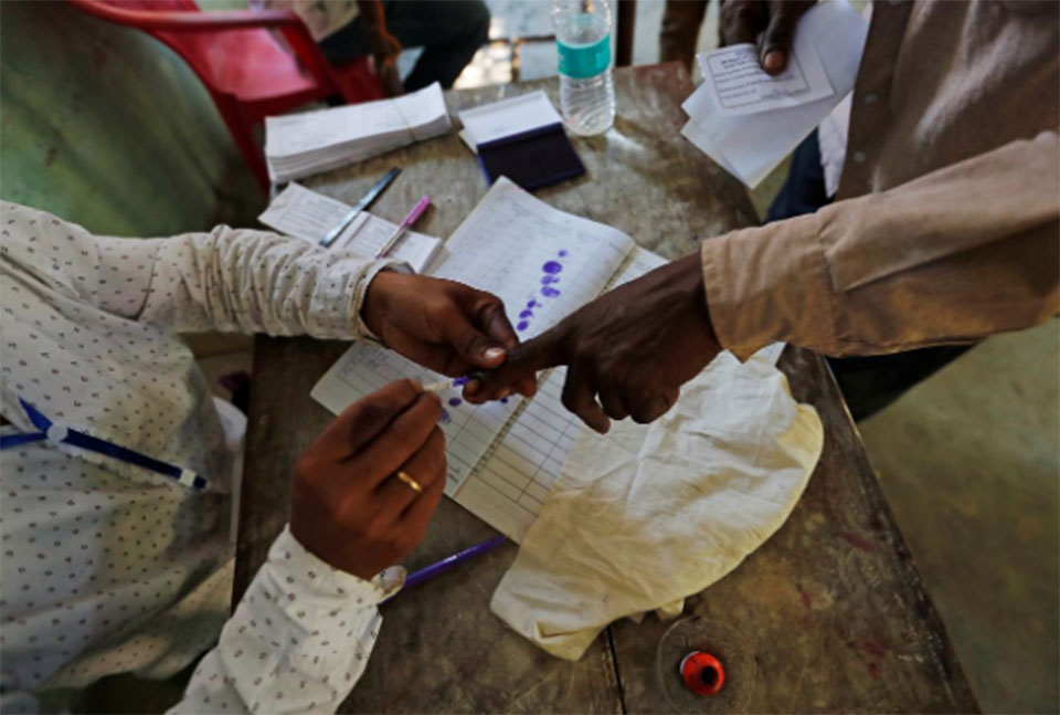 Two dead in clashes on first day of India election