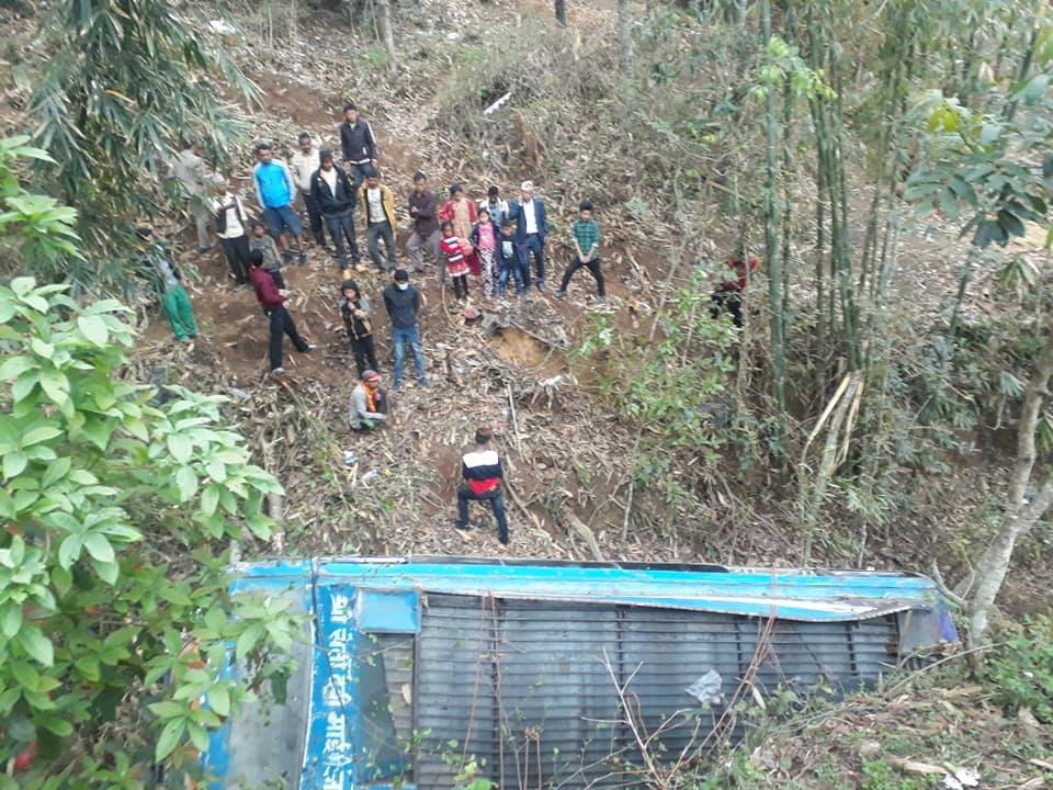 One dies, 13 injured in Khotang bus accident