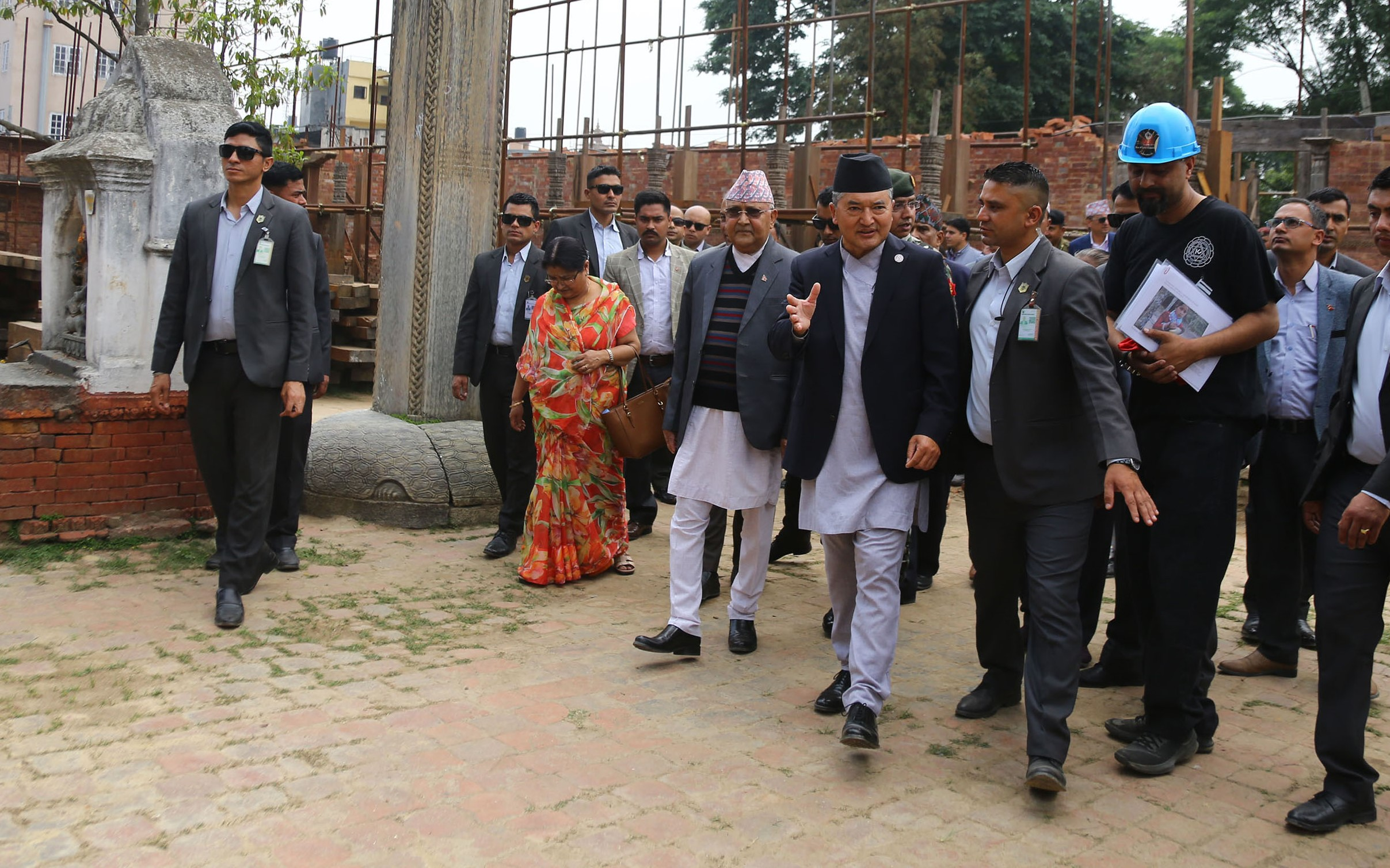 PM Oli inspects the post-quake reconstruction