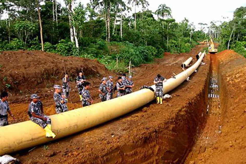 Cross-border petro pipeline-laying on full swing