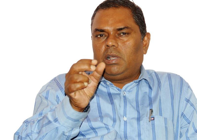 DPM Yadav threatens to quit govt