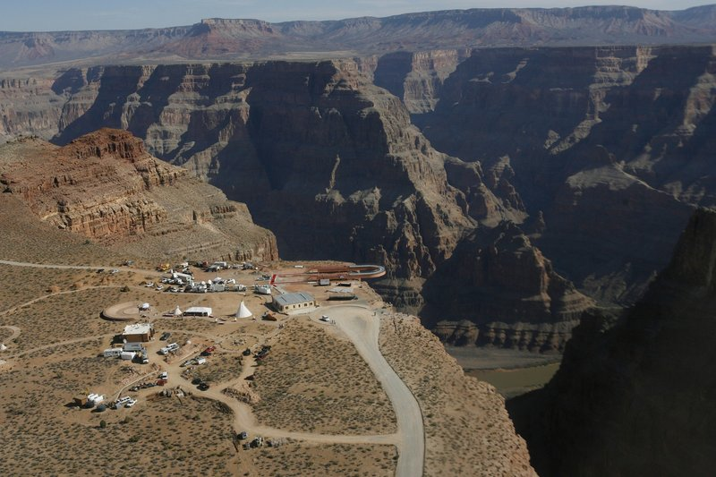 2 more fatal falls at Grand Canyon follow dozens of others