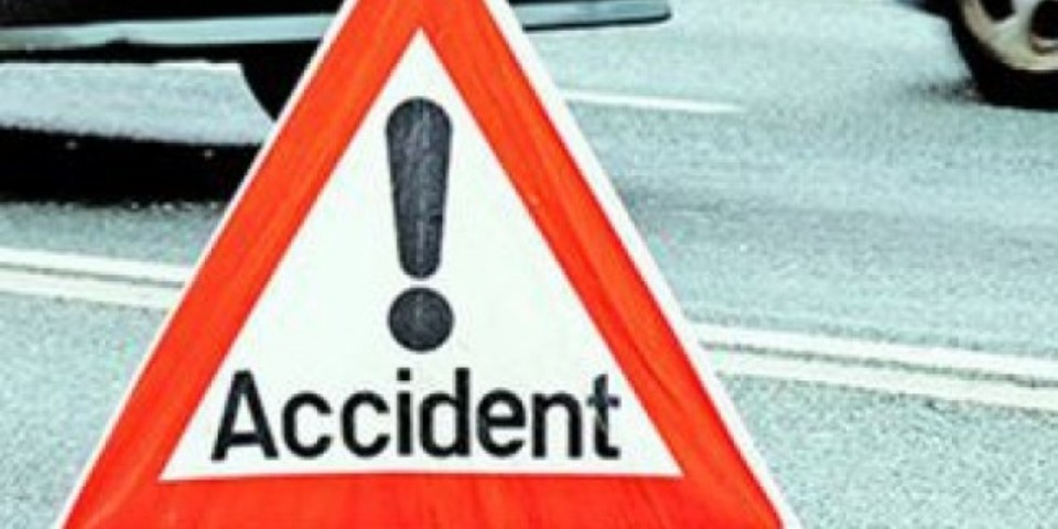 Six hurt in bus accident