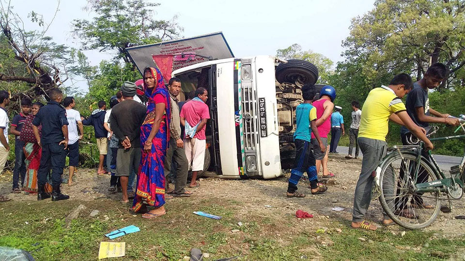 Three killed, 31 injured in Sarlahi bus mishap carrying Joshi Hydropower staffers