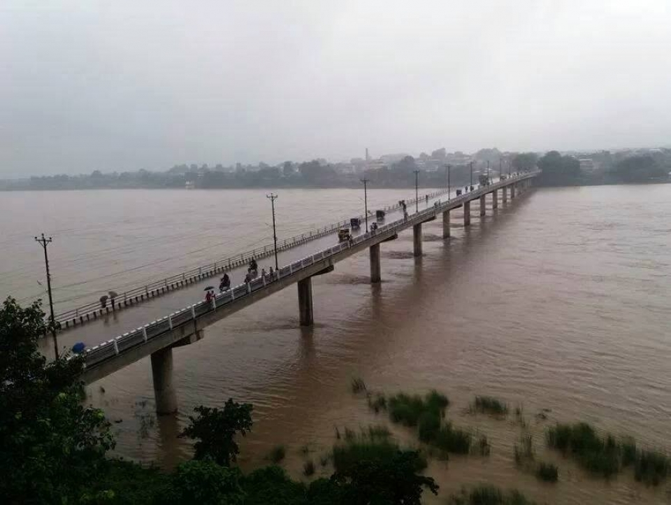 India still building illegal embankment after accord on tackling floods