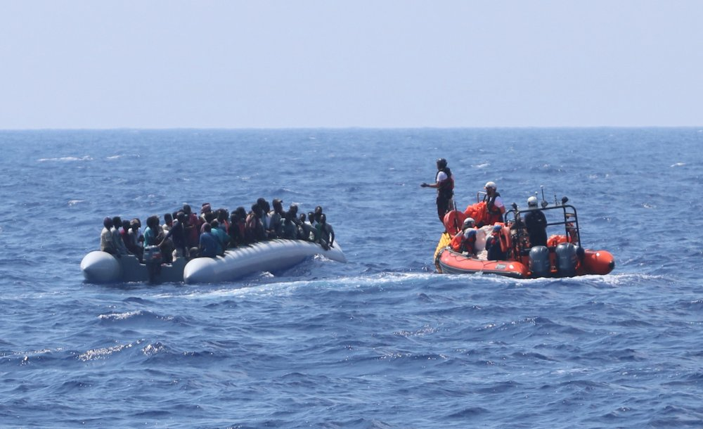 UN urges reluctant EU nations to help stranded migrants