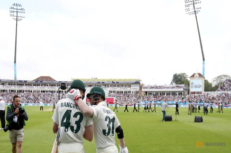 Australia win the toss, England bat at Lord's