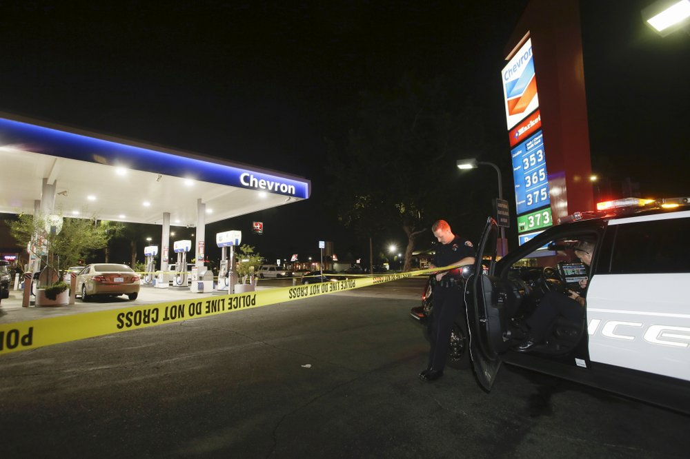 Attacker kills 4, wounds 2 in California stabbing rampage