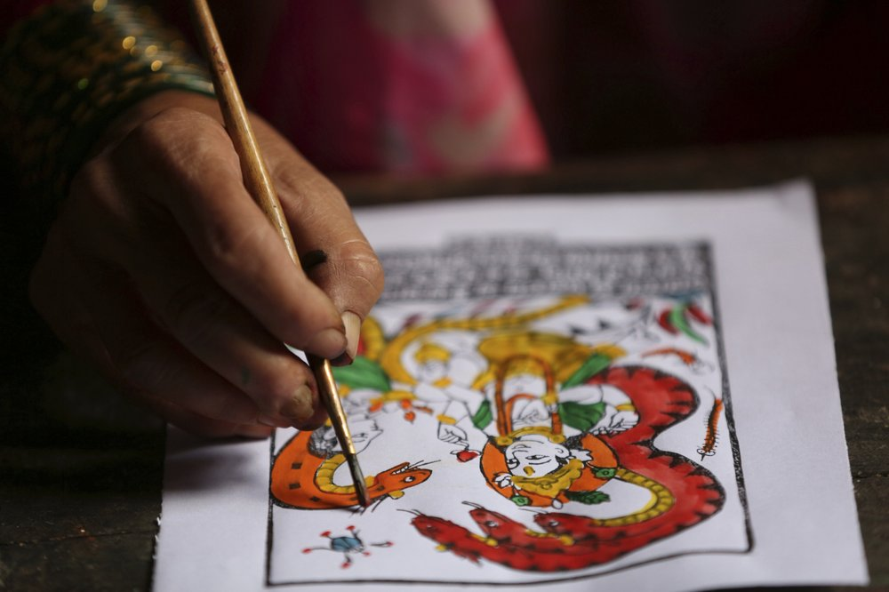 Painter-caste Nepal couple tries saving dying art