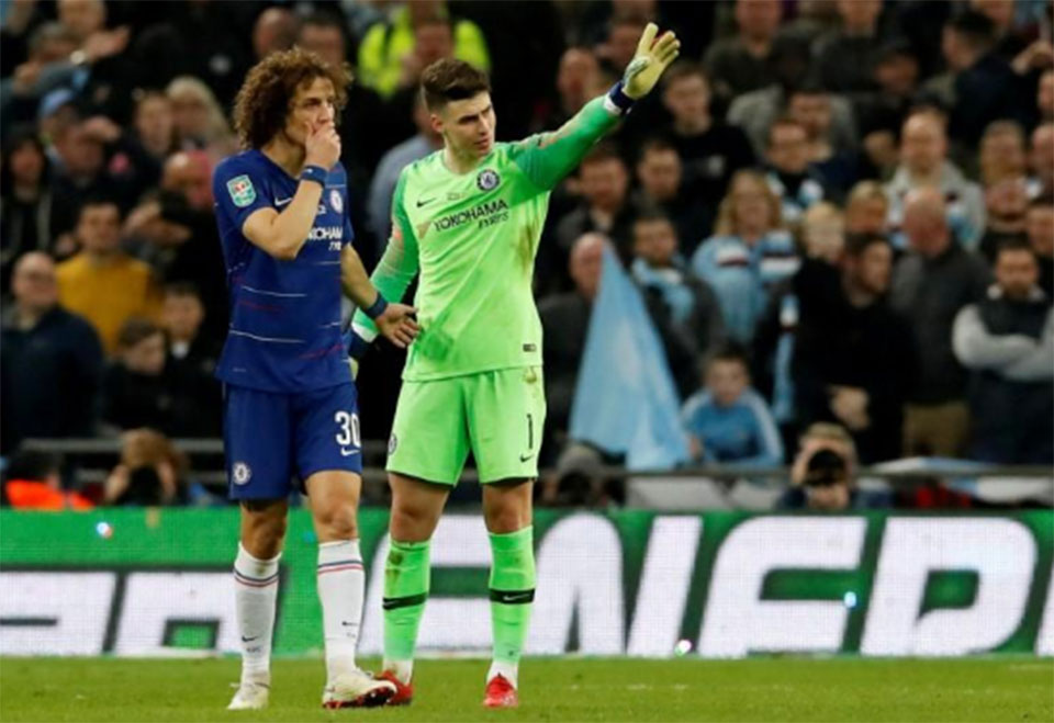 Chelsea keeper Kepa fined one week's wages over Wembley row