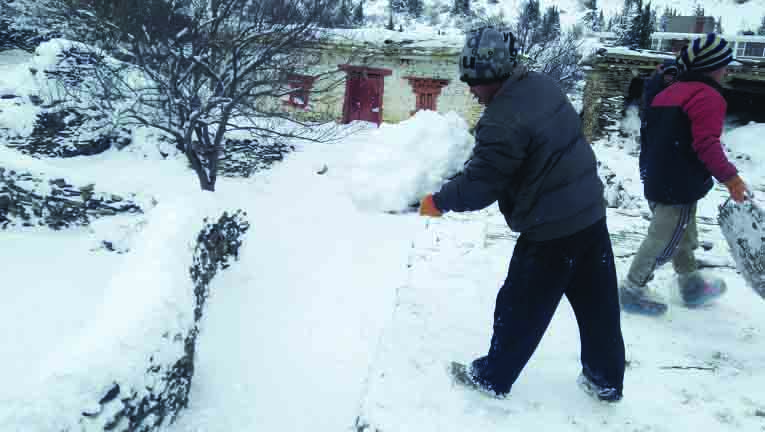 Frozen snow makes life difficult in Manang and Mustang