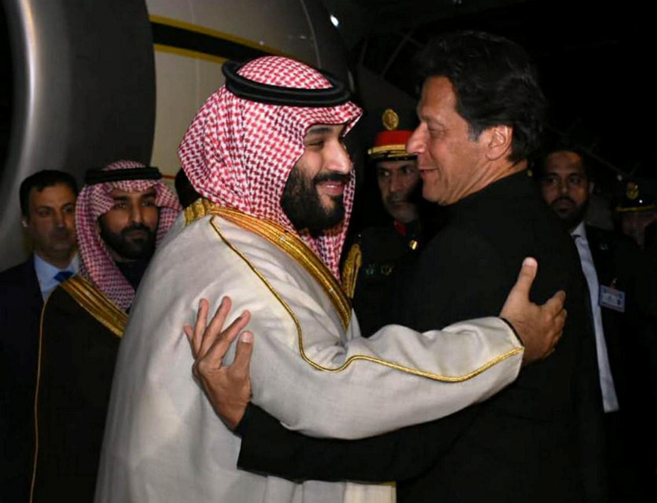 Pakistan says Saudi crown prince orders 2,100 Pakistani prisoners released