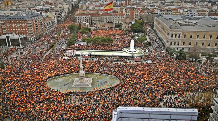 Madrid demonstrators reject government's Catalonia policy
