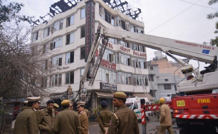 Delhi hotel fire kills 17