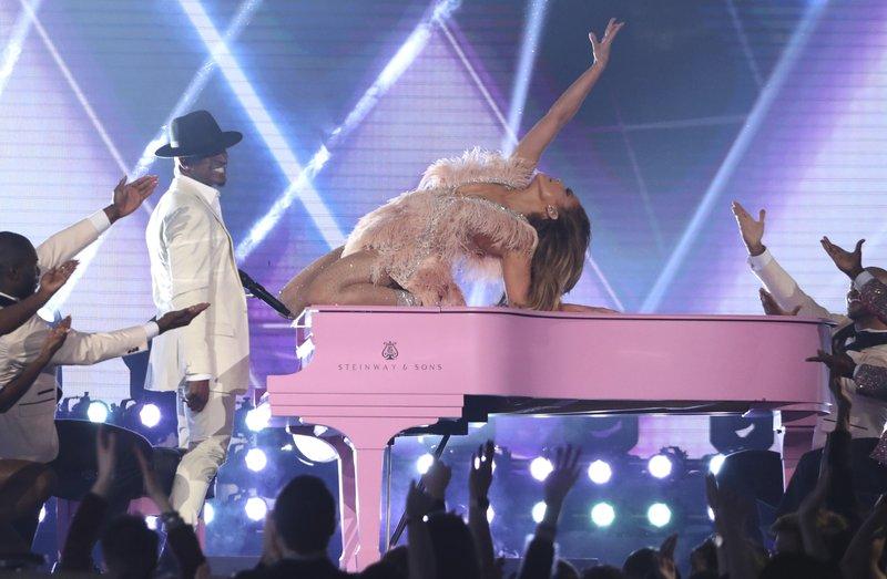 Jennifer Lopez turns Motown tribute into own zesty show
