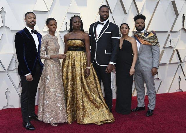 Pinks and warrior metallics among Oscar fashion highlights