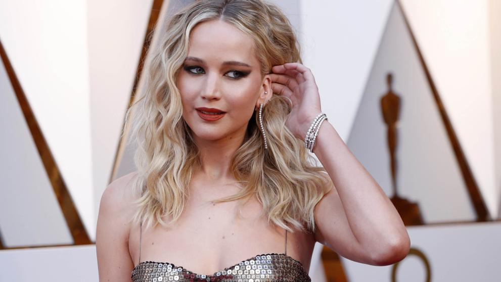 Actress Jennifer Lawrence is engaged to art gallery director: media