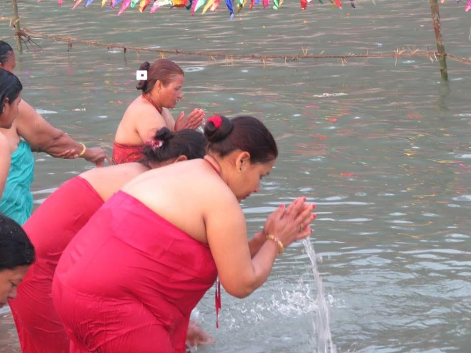 Devotees flock to Rurukshetra to observe Maghe Sankranti (photo feature)