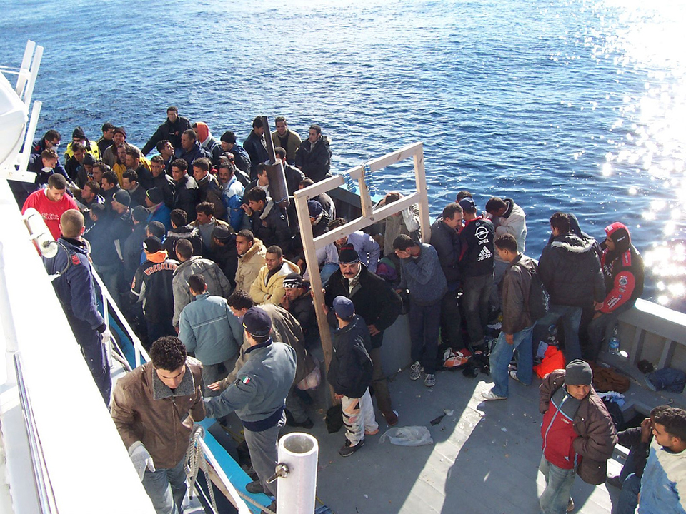 Annual migrant deaths in Mediterranean fall by over a quarter: UNHCR