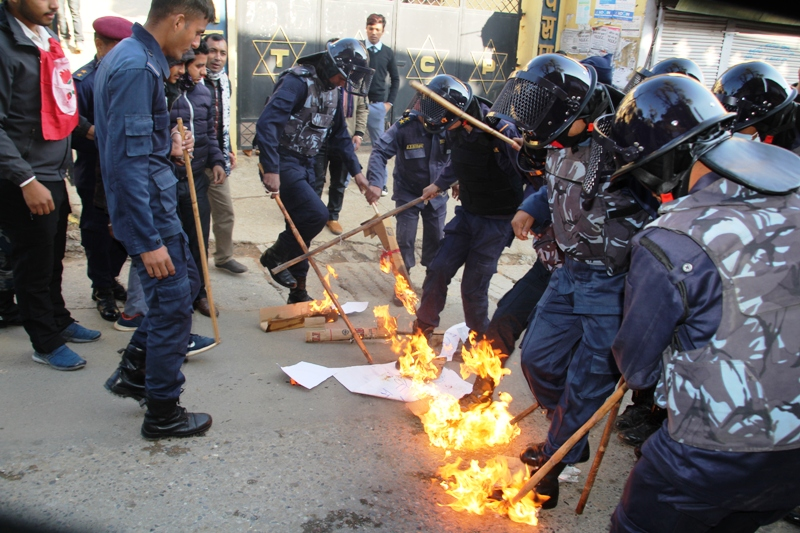 Students burn effigies of PM Oli in Palpa