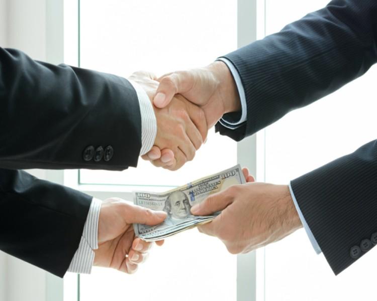 Officials into corruption