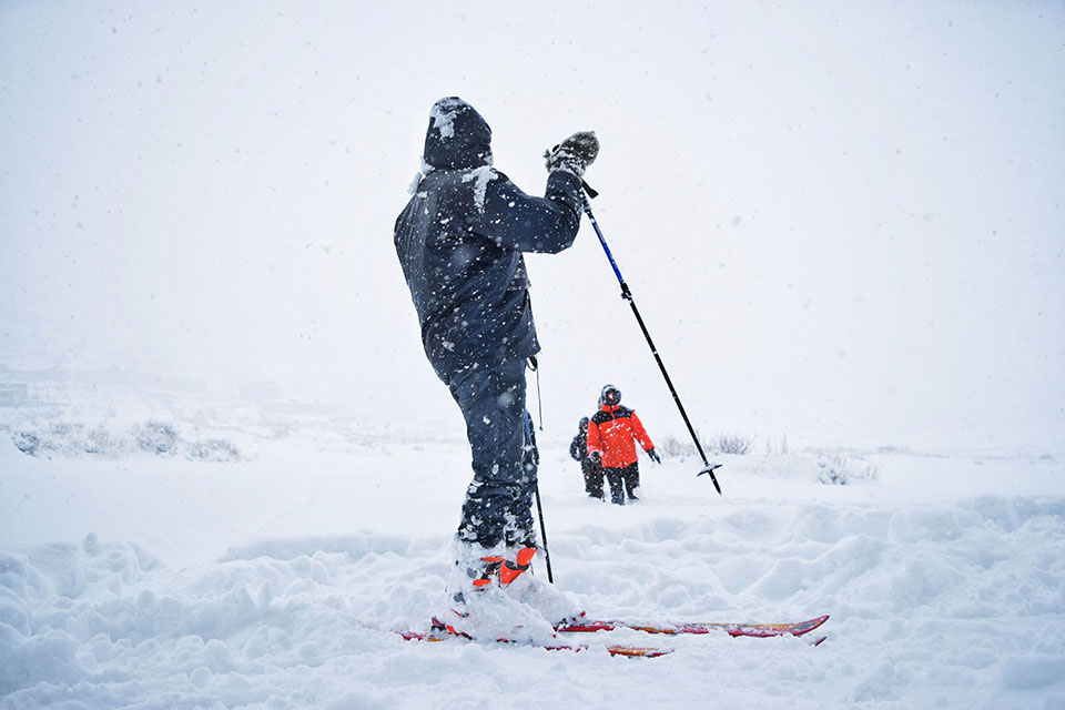Snow-skiing in Humla