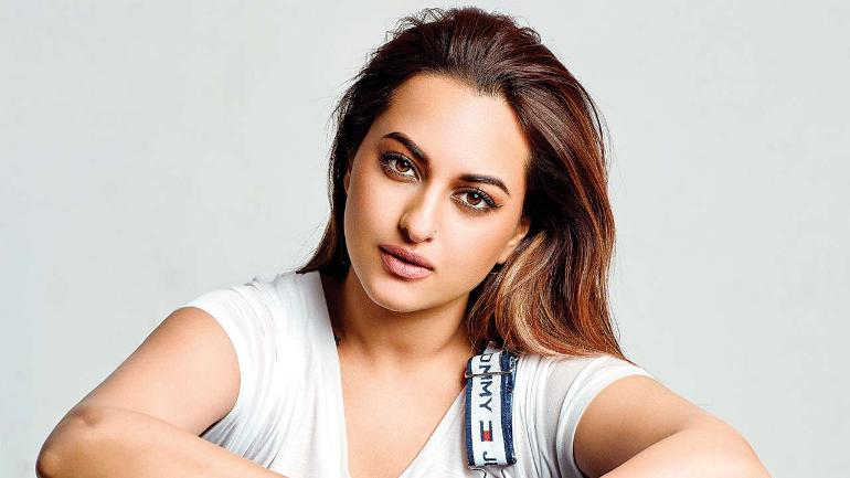 Mumbai: UP Police visit Sonakshi Sinha's house for inquiry in fraud case