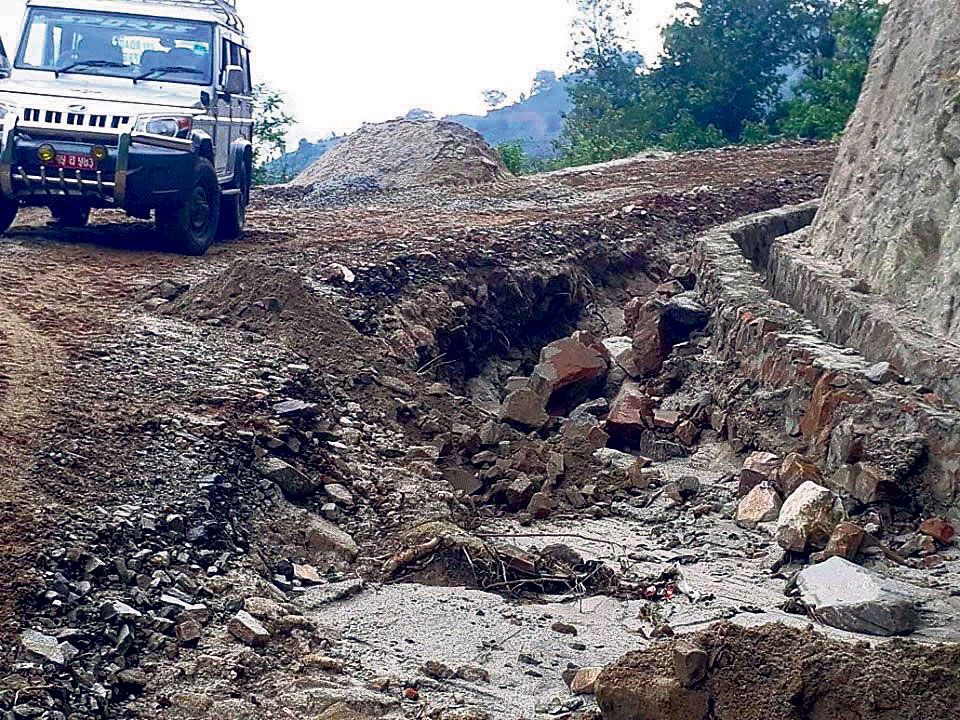 Local units giving priority to road projects, but compromising their quality