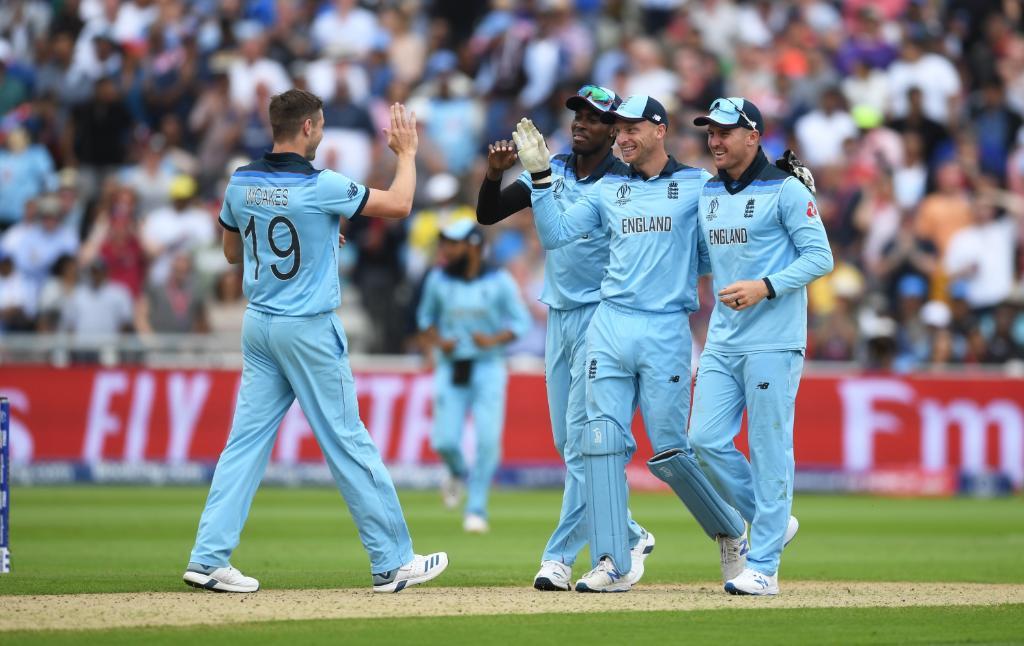 England crush Australia to reach World Cup final