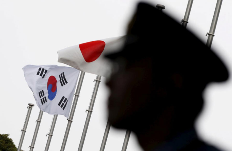 South Korea asks Japan not to drop it from smooth-trade list
