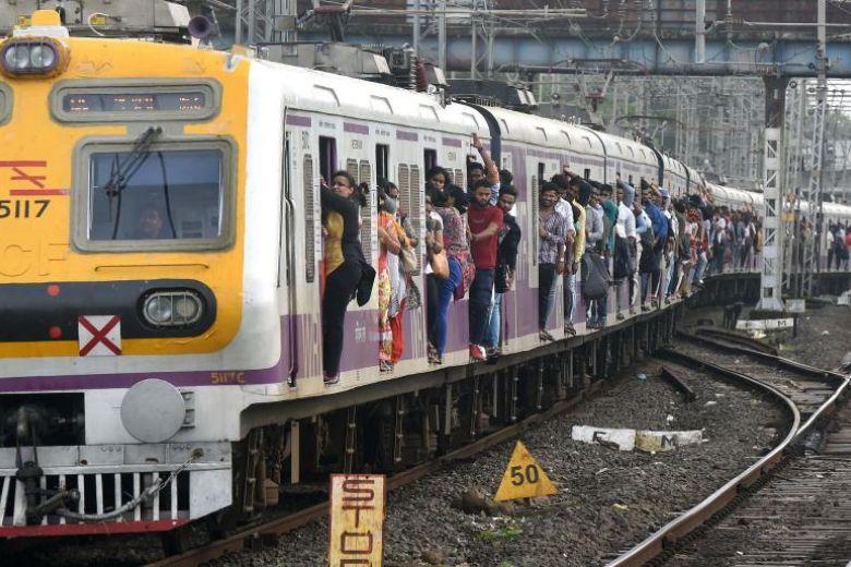 15 killed in dark day for Mumbai daily train commute