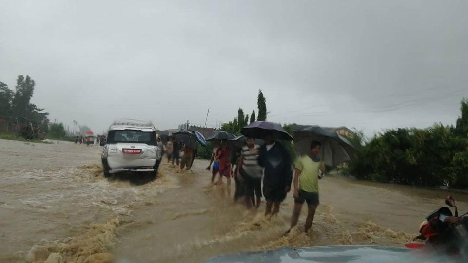 Floods leave families in desperation