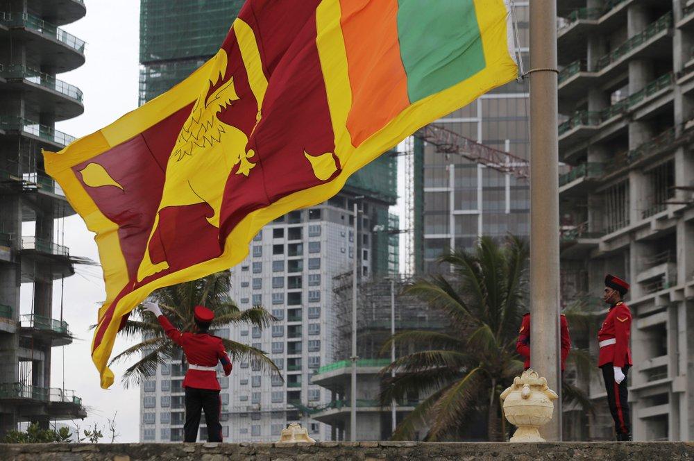 Sri Lanka gives free visa to boost tourism after bomb blasts