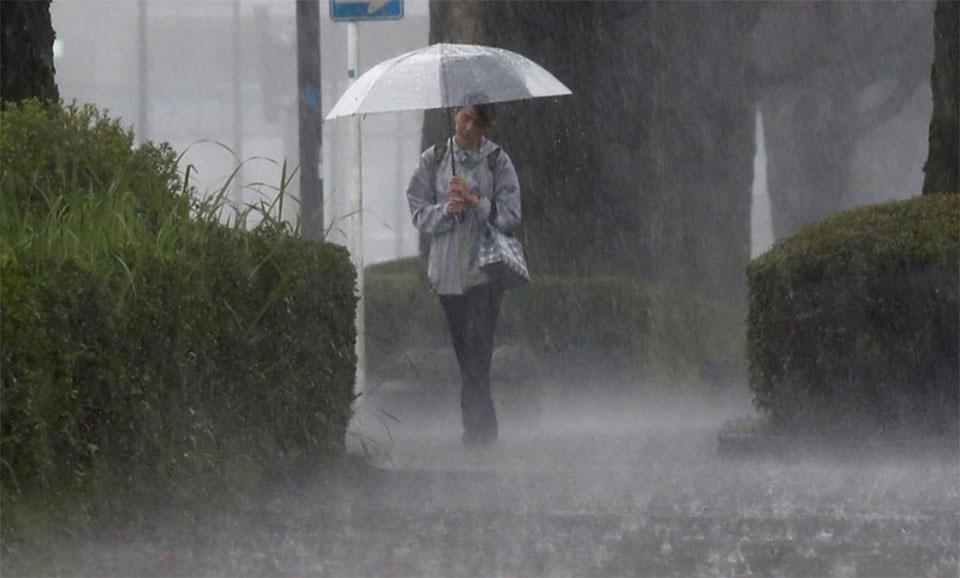 Japan, hit by torrential rains, orders 800,000 to evacuate