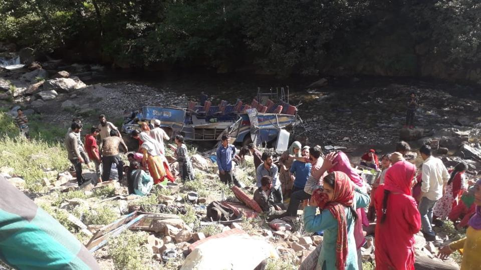 Bus crashes into gorge in India's Kashmir, killing 31