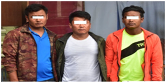 Three persons planning gold robbery land in police net