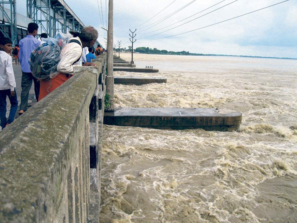 Water current in Saptakoshi River rises to alert level