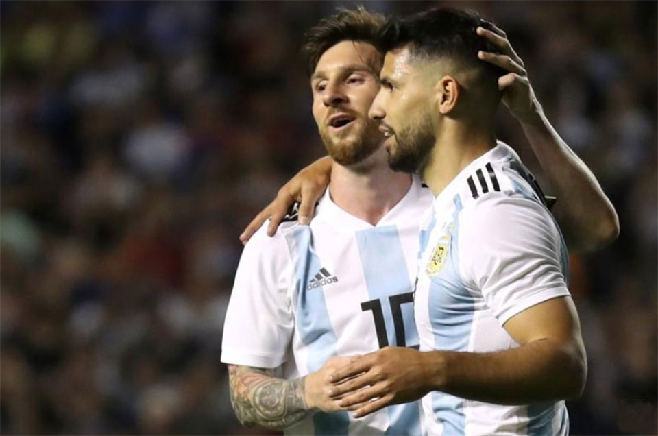 Aguero's return lifts Messi's hopes of Copa glory with Argentina