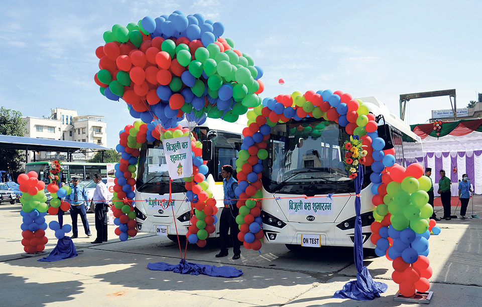 Govt's plan to buy 300 electric buses in quandary