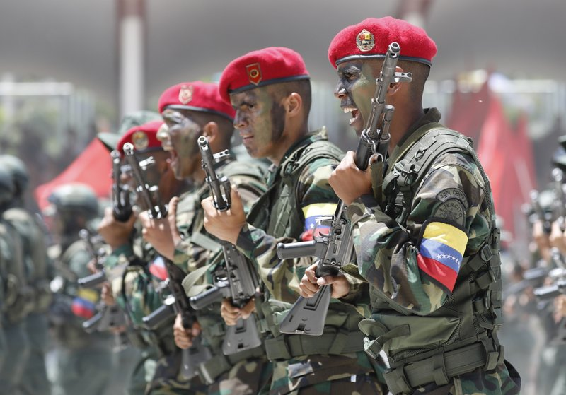 Maduro shows military might in Independence Day celebration