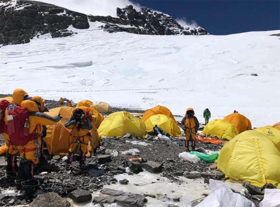 Abandoned tents, human waste piling up on Mount Everest