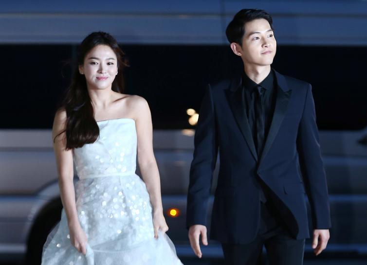 'Korean Wave' celebrity couple to split, fans mourn