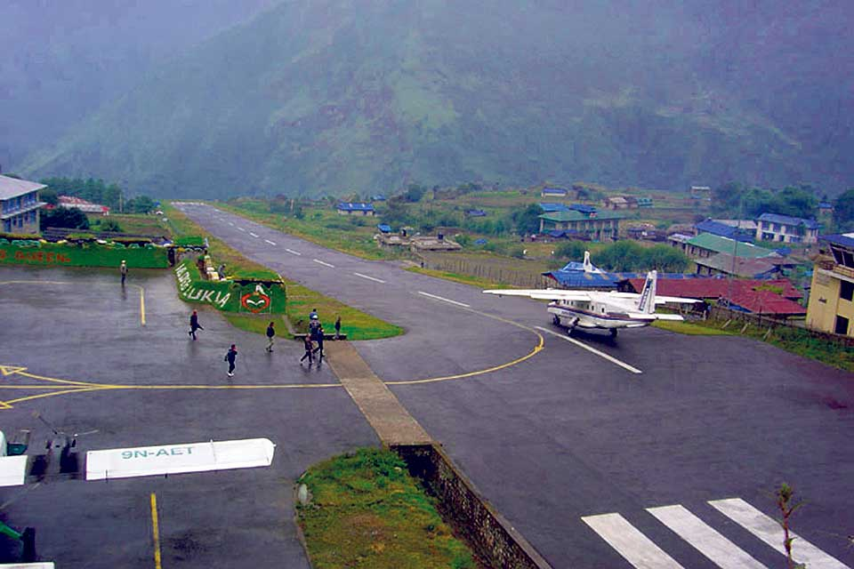 200 air passengers stranded at Lukla