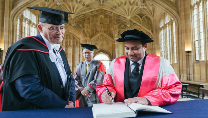 Oxford honors Rahat Fateh Ali Khan with Doctor of Music degree
