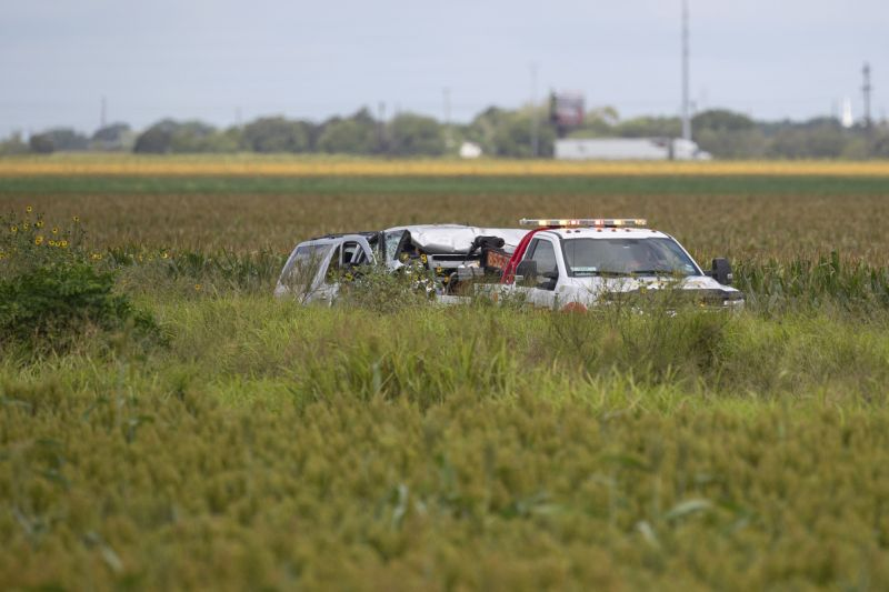 Six undocumented migrants die after Texas police chase