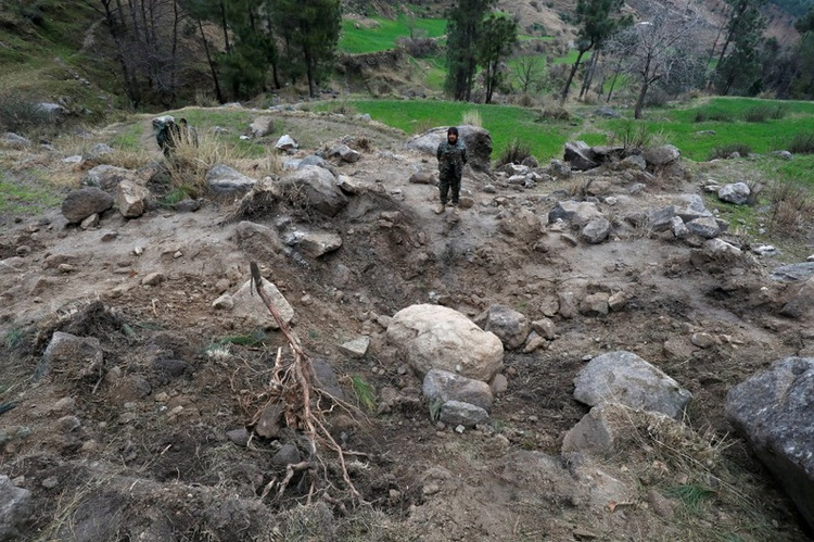 India says Pakistan hiding information by blocking access to bombing site