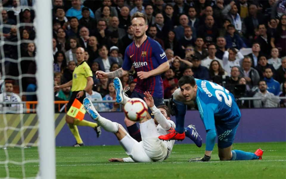 Rakitic gives Barca second 'Clasico' win in four days at Real