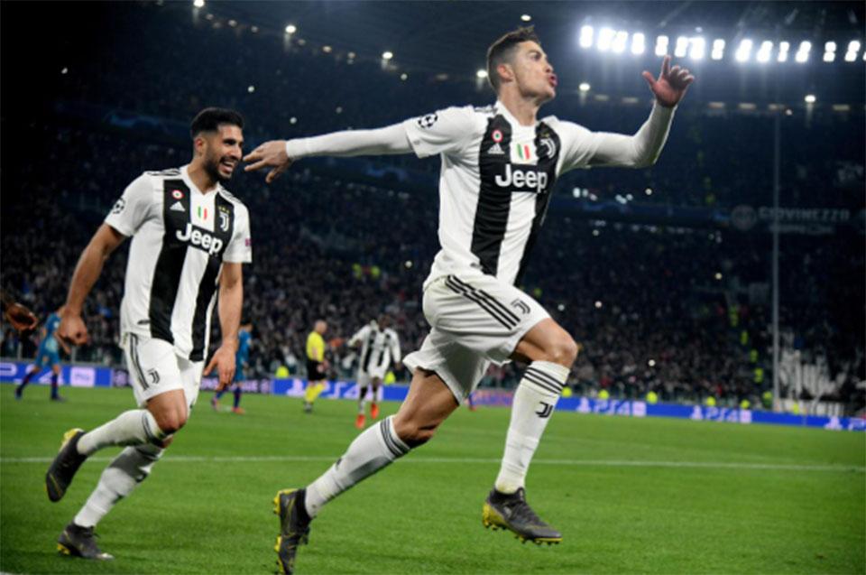Superb Ronaldo hat-trick leads Juve into quarter-finals