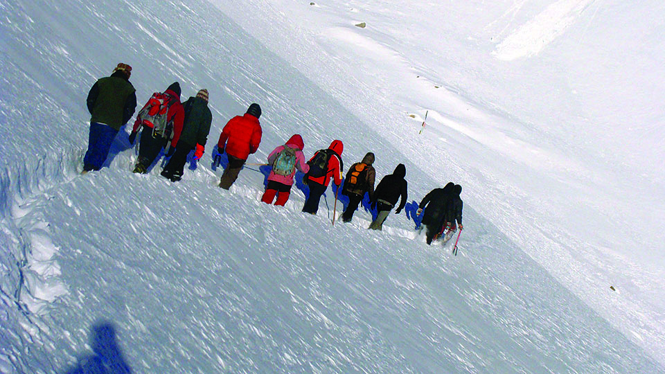 Locals take initiative to resume trekking along the Thorong La